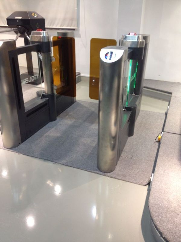 Swing Barrier Gate Systems  For Passenger Access With Emergency Intereface fornitore